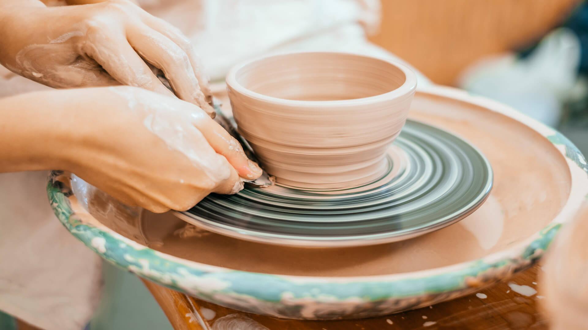 Artesanos de la Alpujarra: las manos de quienes cuidan las montañas