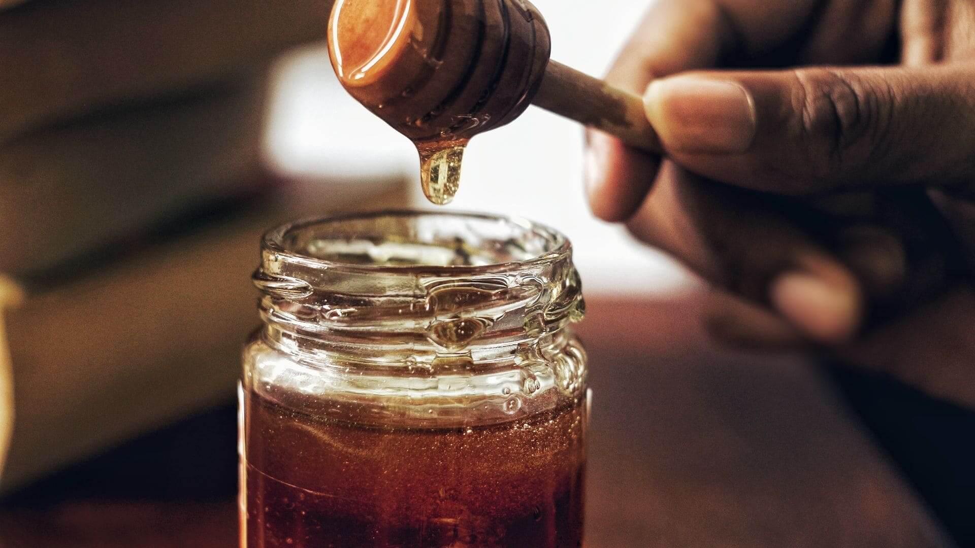 Miel de Granada, tradición y naturaleza unidas para hacernos la vida más dulce