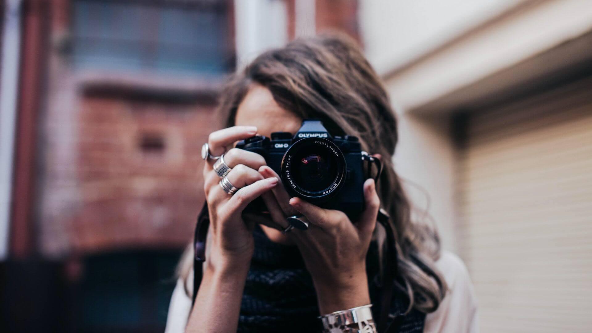 Fotógrafos de calle que nos inspiran y nos animan a pasear por la ciudad